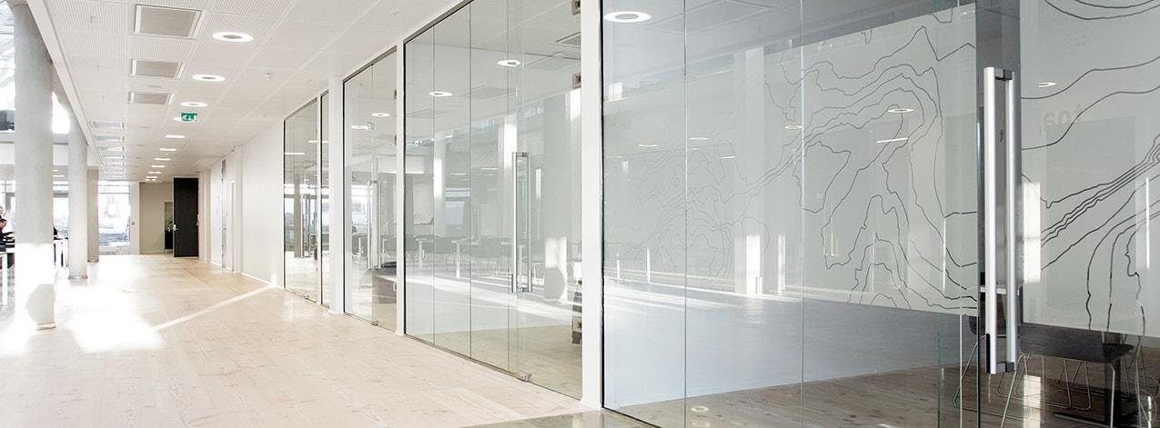 Trennwandsysteme und Hallenbüros   Flexible und innovativ – TIXIT
